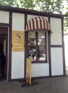 Old Hahndorf sweet shop_n