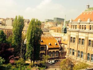 5 Budapest - University
